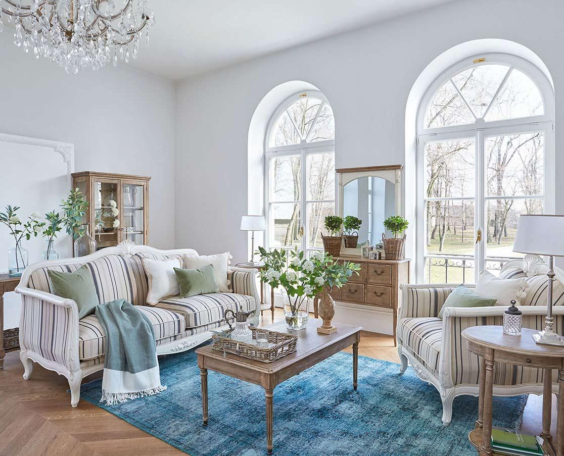 Wie arrangiert man ein Wohnzimmer im provenzalischen Stil?